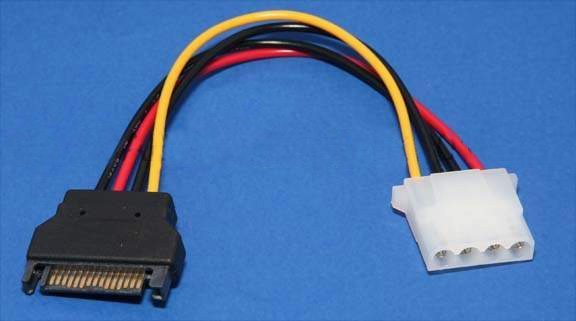 Adapter SATA Power M / Molex 4pin - CE359-0.15m